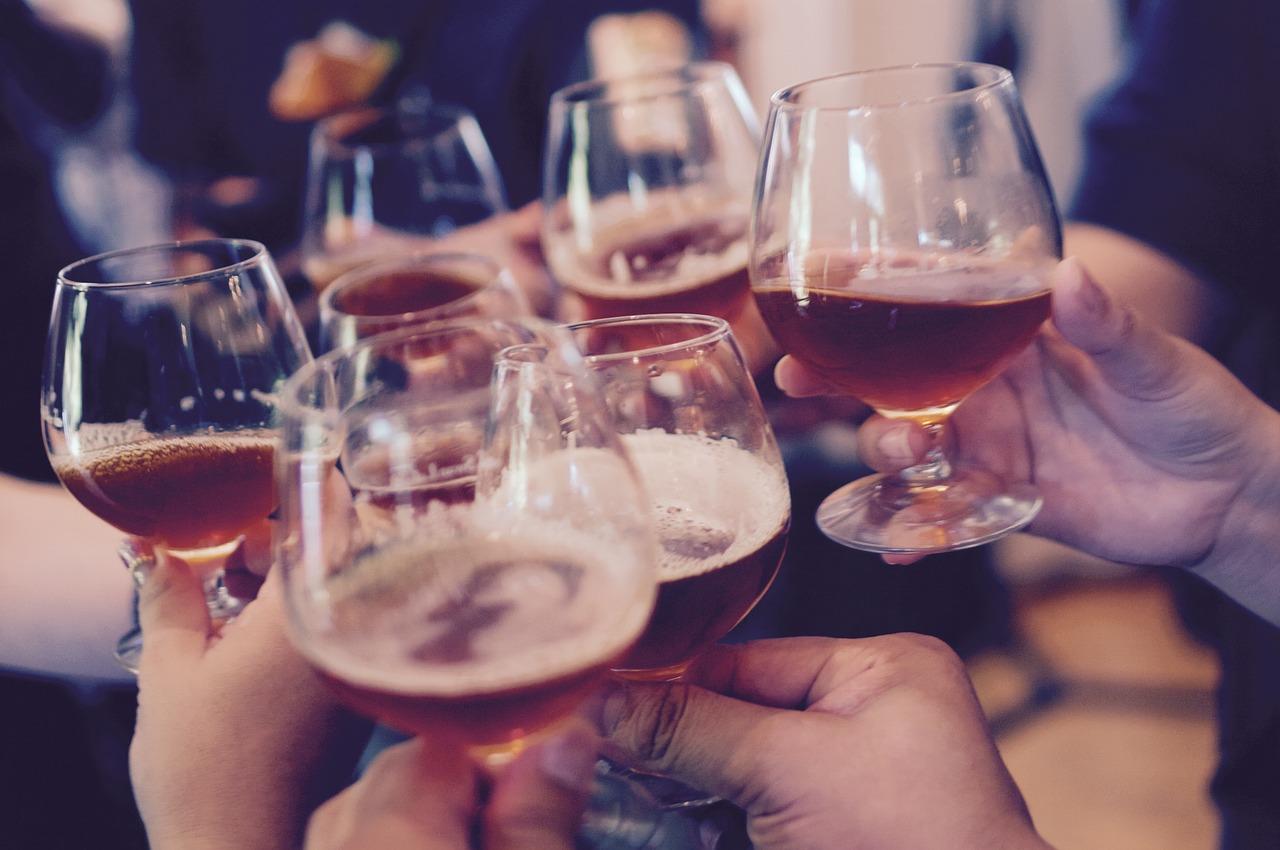 Le binge drinking touche principalement les jeunes de 18 à 25 ans