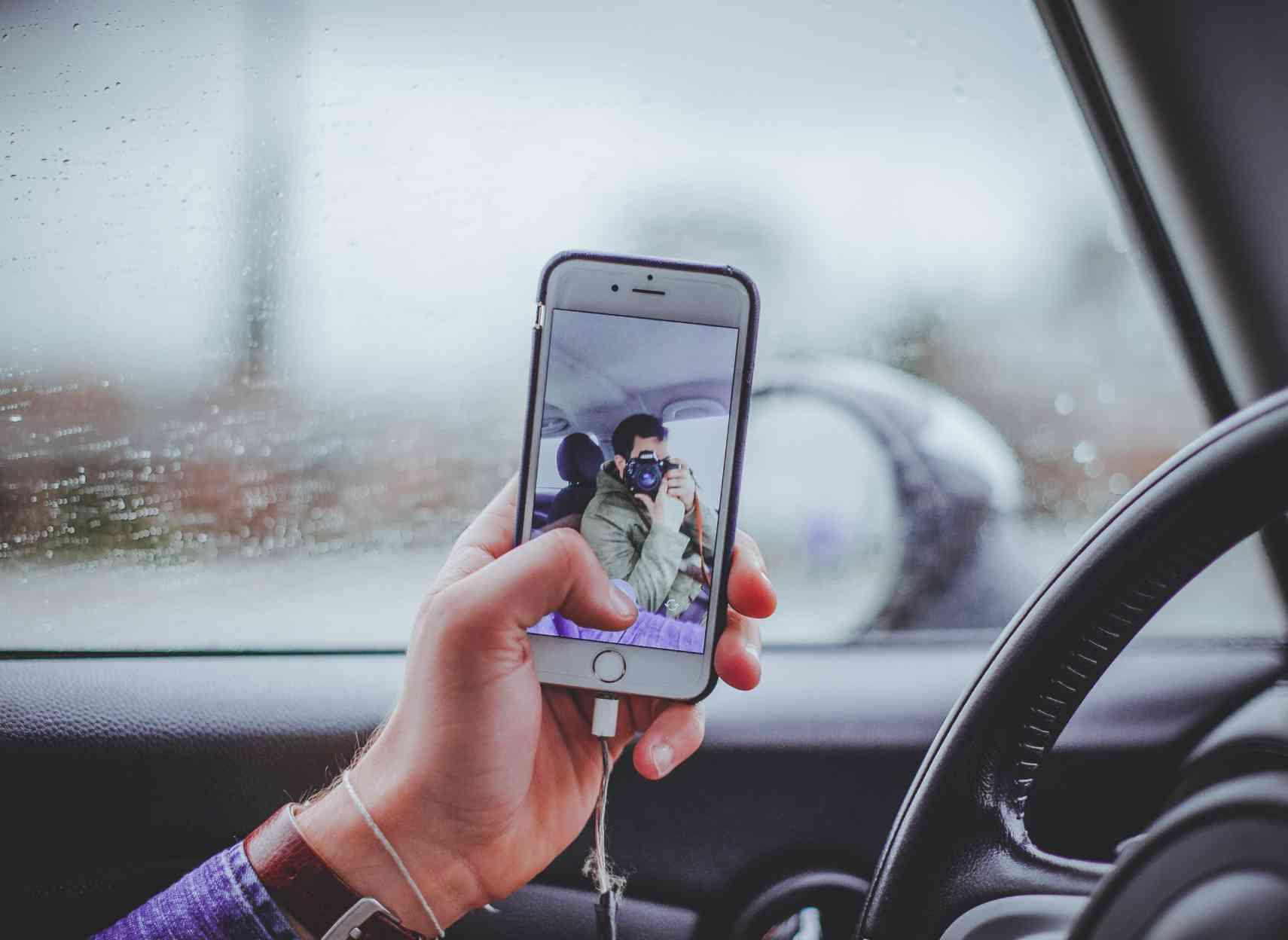 Smartphone et jeunes conducteurs