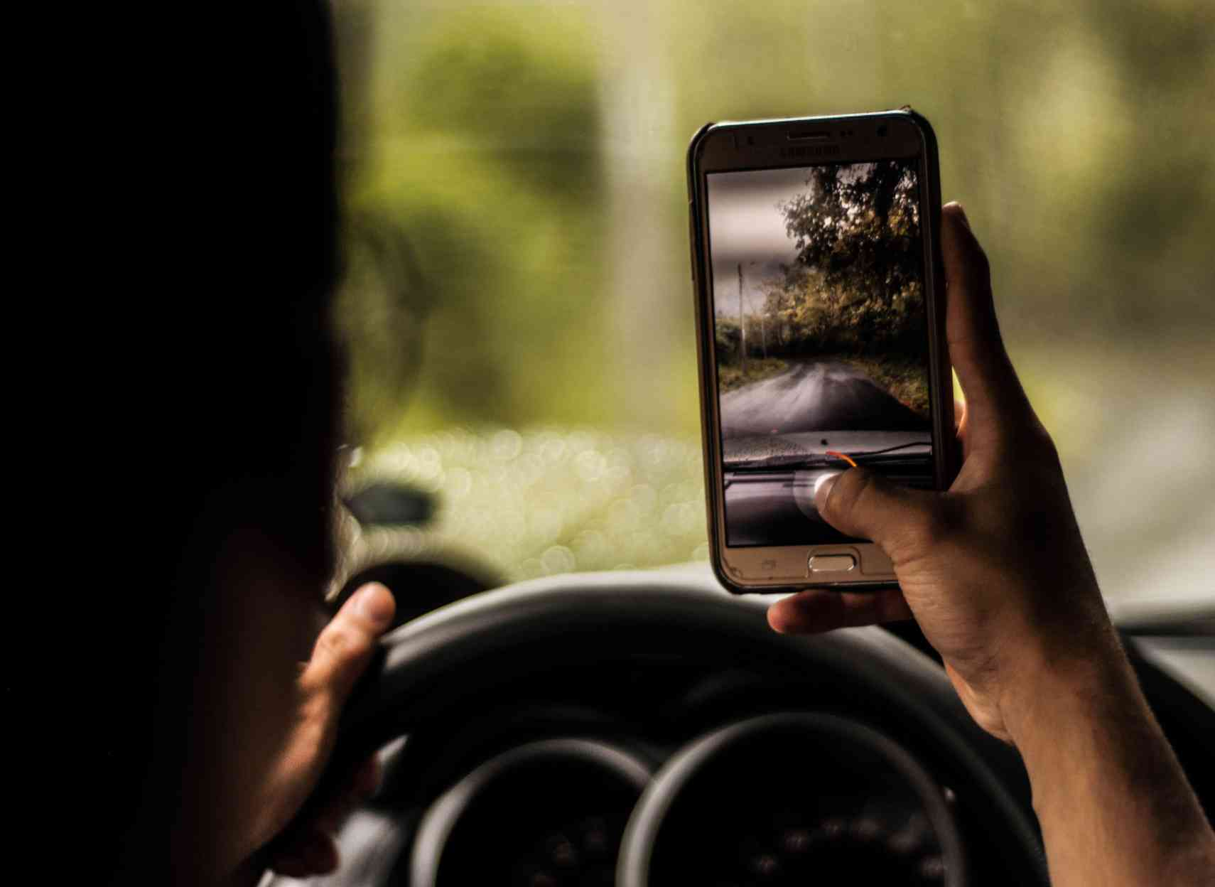 Kia campagne dangers smartphone au volant