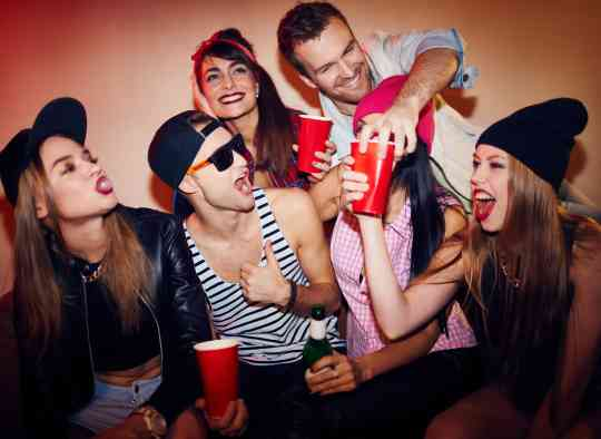 Boire à excès et en un temps réduit, le combo mortel