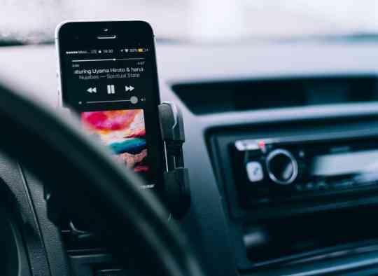 Le téléphone au volant aussi dangereux que l'alcool au volant