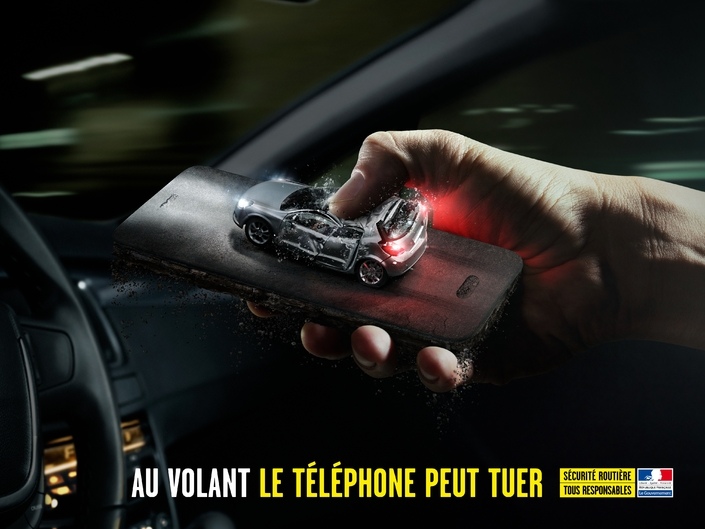 vigicarotte-securite-routiere-campagne-telephone.jpg